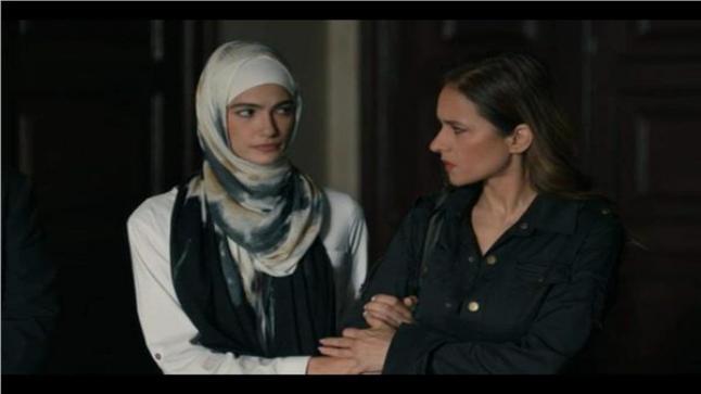 تارا عماد في ورطة خلال أحداث مسلسل ضد الكسر