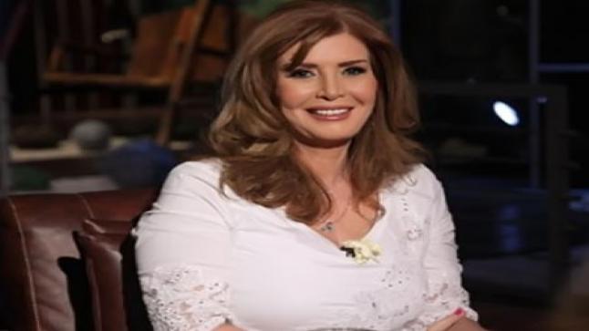 ميرفت أمين تحتفل بعيد ميلادها الـ 73