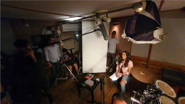 """إنجي المقدم تبدأ تصوير فيلم """"باب معزول"""""""